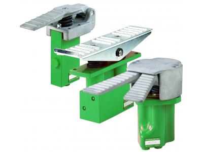 Pilot valves in pedals HPVP